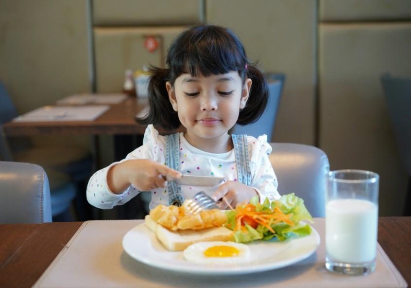 5 Cara Membangun Sistem Imun Anak pada Masa Golden Age