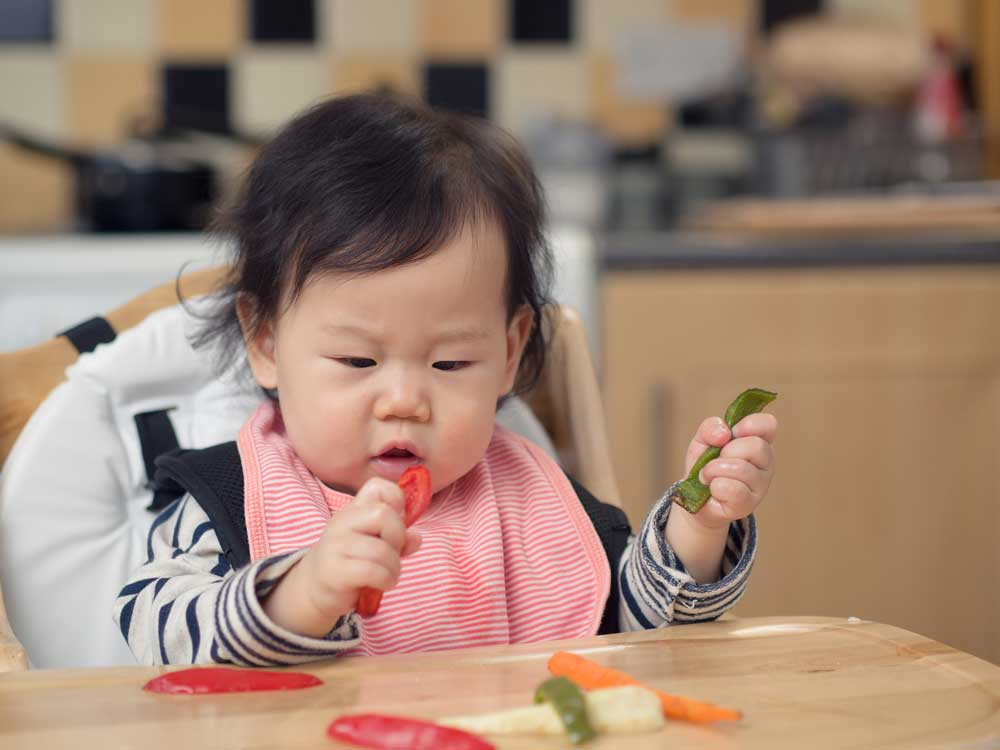 Mana Dulu Yang Harus Dikenalkan Pada Si Kecil Buah Atau Sayur