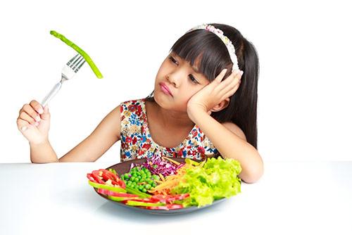 Mengapa Selera Makan Menurun di Usia Balita