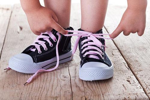 Sukses Mengikat Tali Sepatu Sendiri