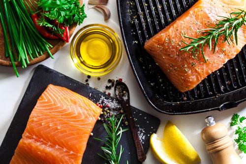 Yuk, Ajak Si Kecil Suka Makan Ikan